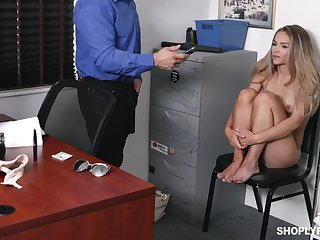 Scarlett Wasting gets their way pussy pounded at the end of one's tether a from in his office