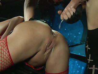 Hard fuck while she screams from pleasure is fabulous for Cathy Heaven