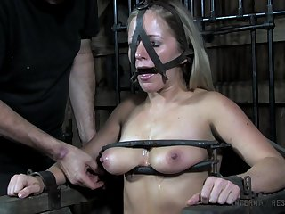 Submissive slattern Dia Zerva gets her pussy coupled with twat punished in the BDSM room