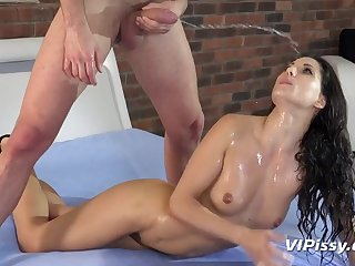 Hard Intercourse adoring for pissing and squirting