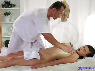 Doggy creampie after the masseur largess the girl become successful seniority